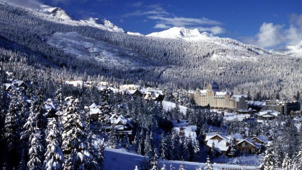 whistler-skiing-avalanche