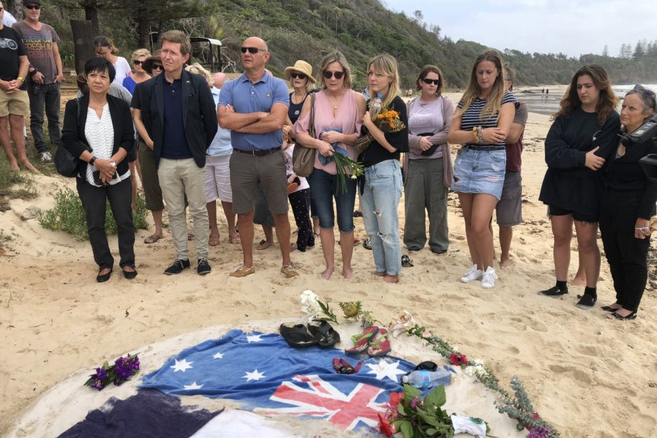 Port Macquarie vigil for missing tourists hugo palmer and erwan ferrieux