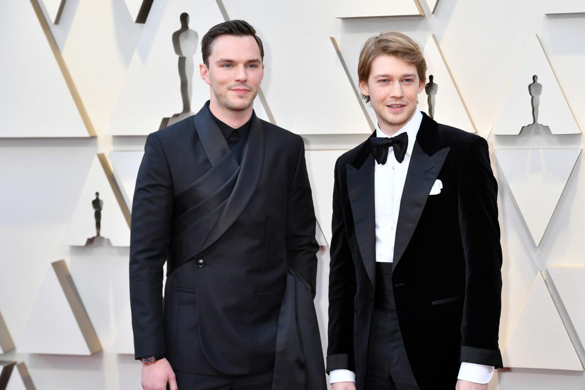 Nicholas Hoult Joe Alwyn 2019 Oscars