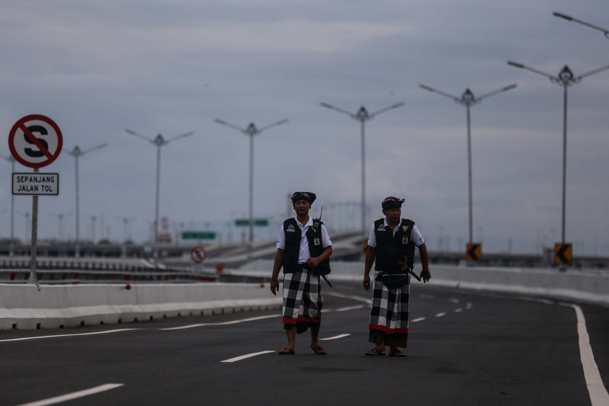 Airport Closed, Tourists Shut Up in Resorts: The Day Bali Was Cut Off from the Outside World