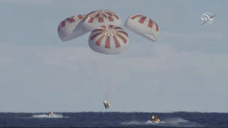 spacex-splashdown-ocean