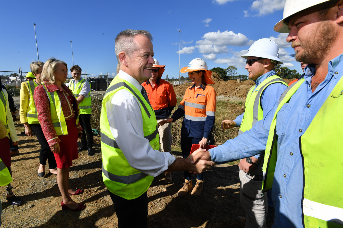 Labor leader Bill Shorten meets construction workers