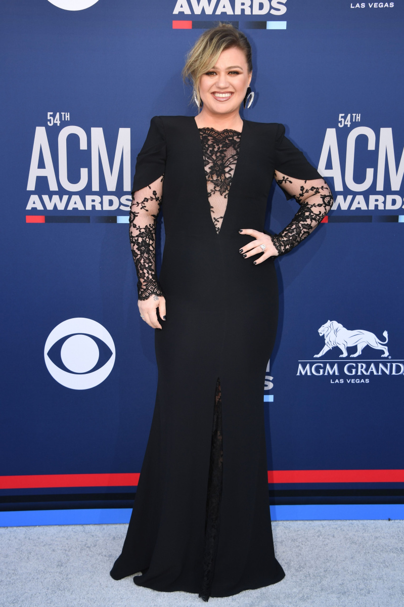 Kelly Clarkson | 94.7 The WAVE