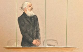 julian-assange-court