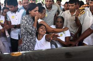 sri-lanka-attacks-mourning