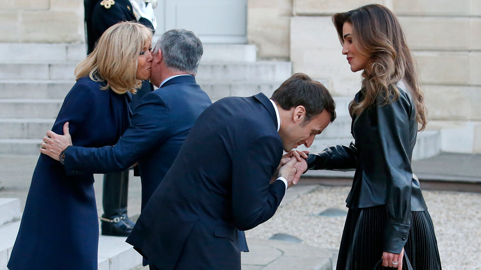 Emmanuel Macron Wedding.New Book About Emmanuel And Brigitte Macron S Controversial Love Story
