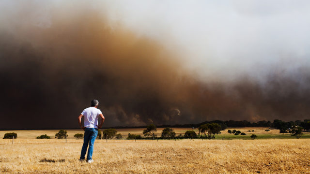 Queensland braces for more heat, wind and fire