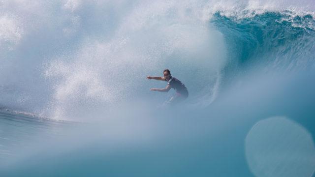 Big Wave, huge wipeout for Hawaiian surfer
