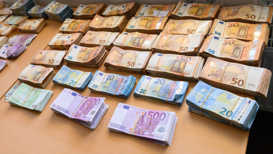 Cash, weapons and servers seized in 'darknet' trafficking raids