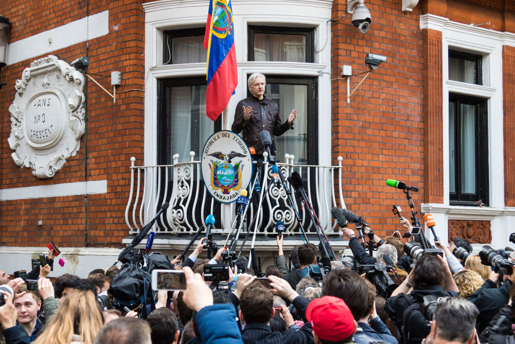 Assange to face extradition to sweden