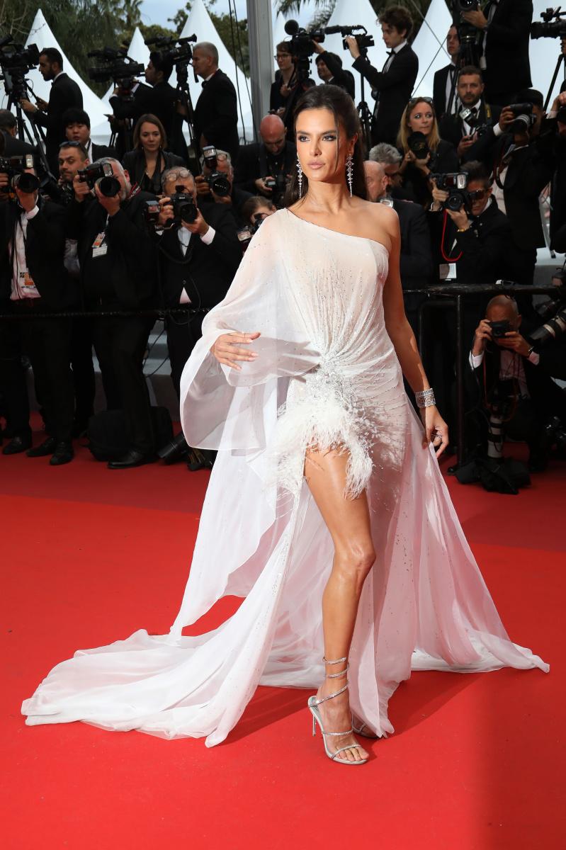 Alessandra Ambrosio Cannes 2019