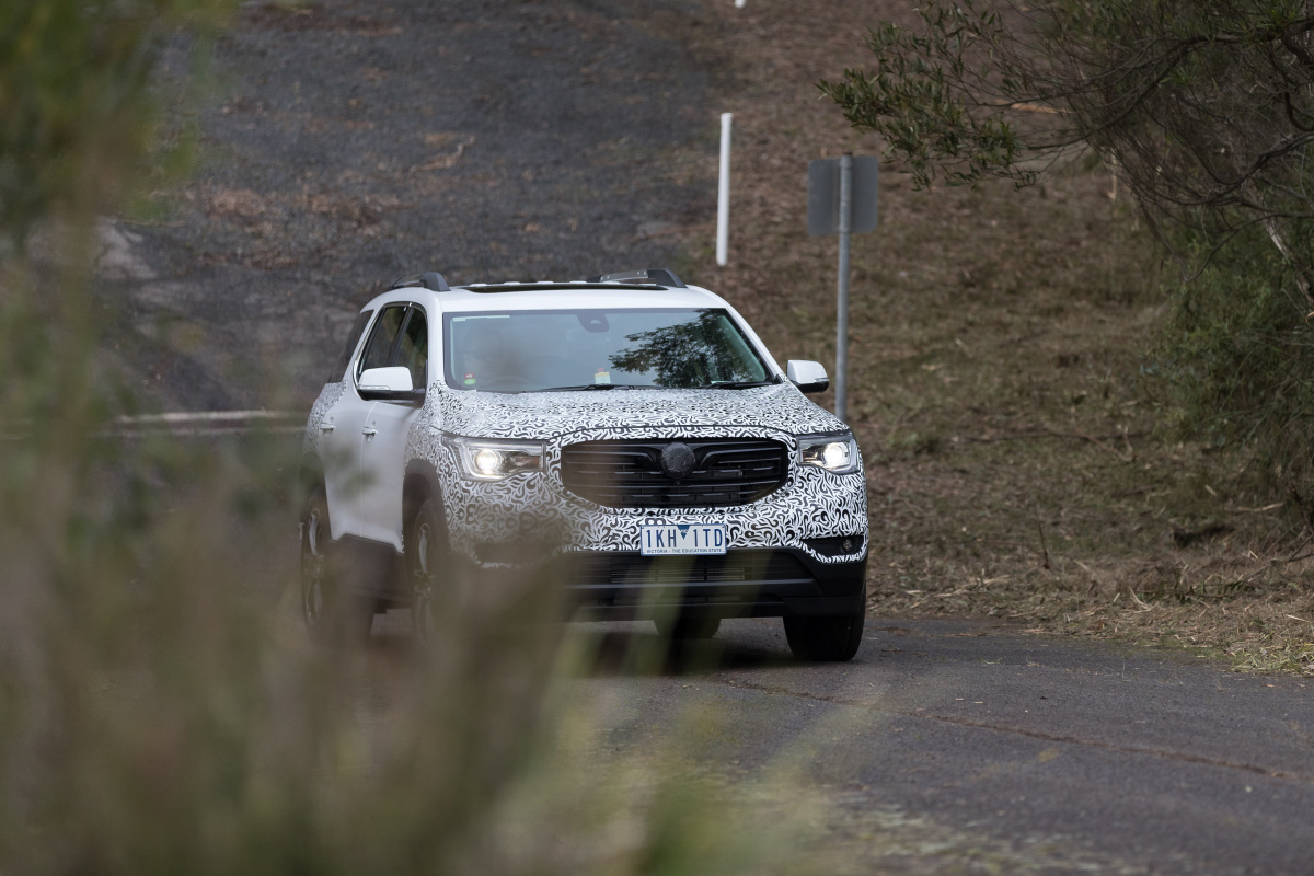 Holden Acadia Test Drive Why It S A Middle Of The Road Suv