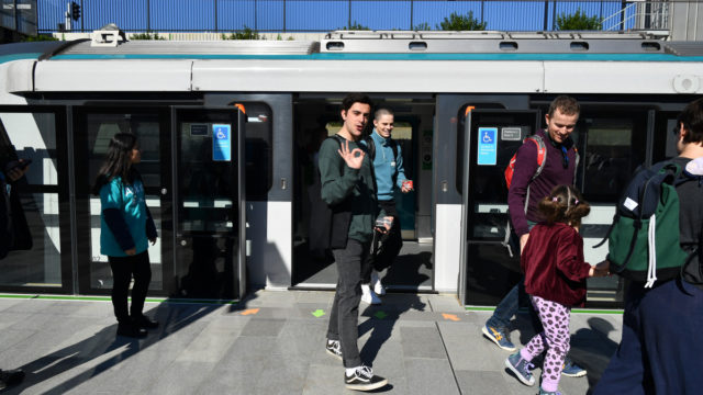 Sydney driverless trains on track – but door failure causes 'crowd crush'