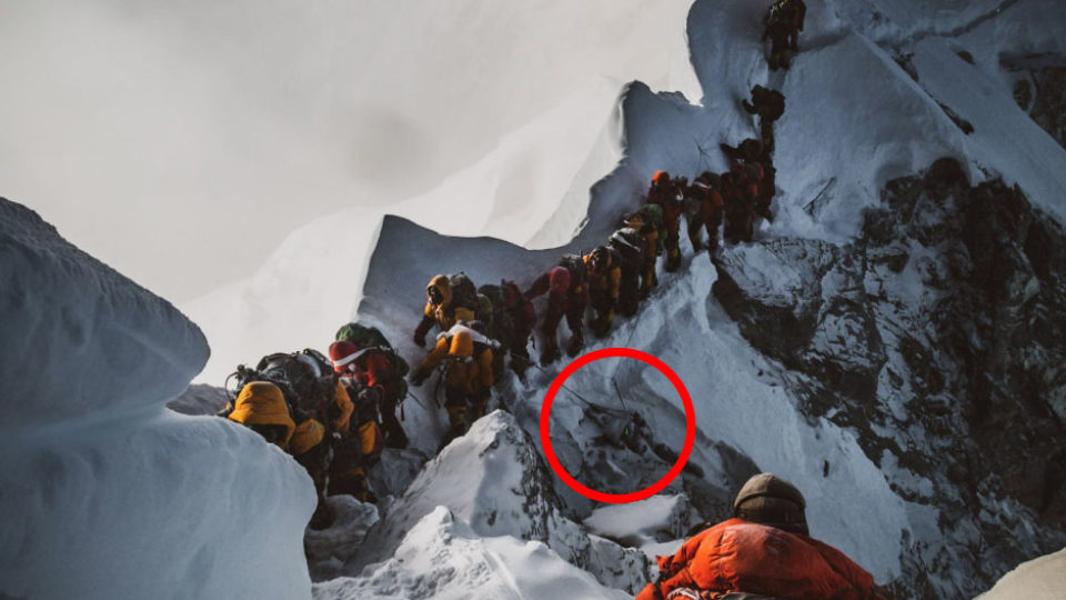Australian climber recovering after dramatic Mt Everest rescue