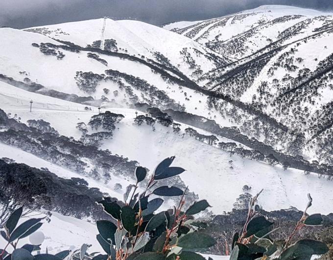 hotham-snow-record-may
