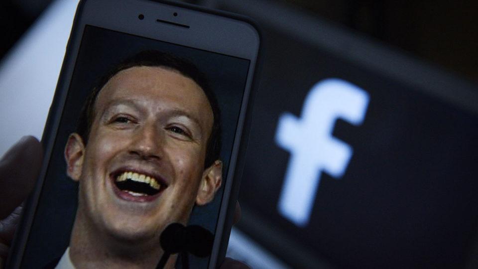Facebook Mark Zuckerbergq
