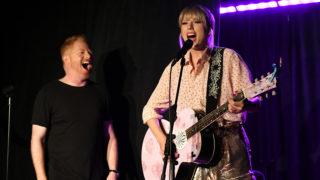 Taylor Swift Jesse Tyler Ferguson