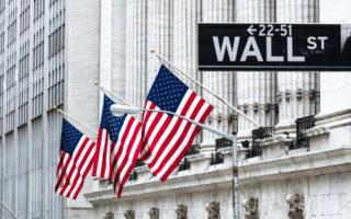 markets soar despite gloomy global economy