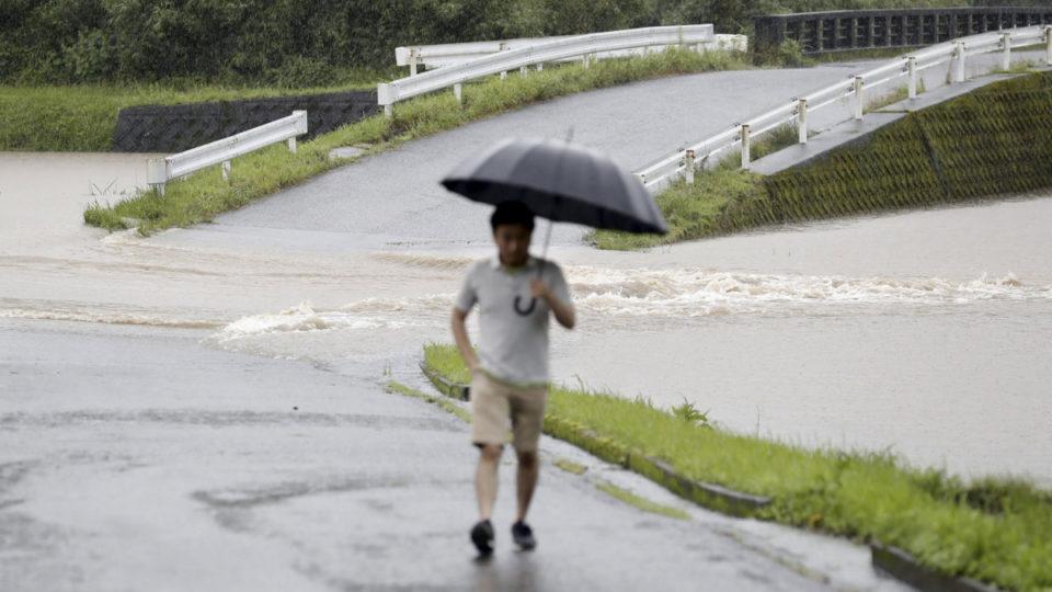 japan evacuation rain