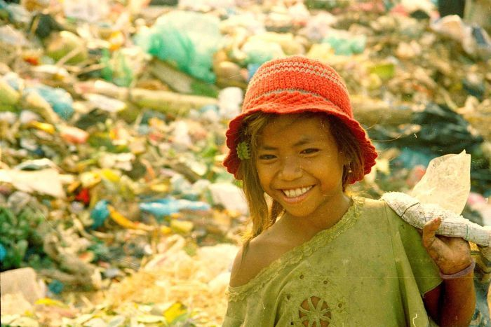 cambodian girl who grew up in landfill get Melbourne Uni scholarship