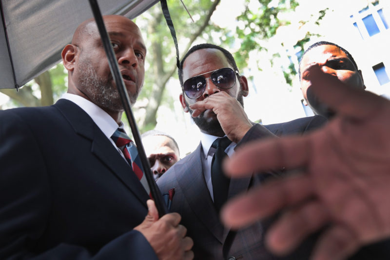 r kelly sex trafficking charges