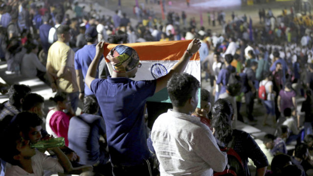 India abandons moon mission launch at last minute