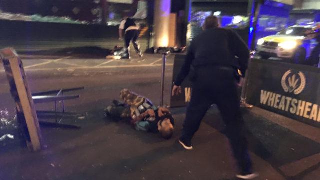 Footage shows unarmed police, bakers try to halt London Bridge terrorists