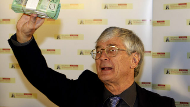 """Millionaire Dick Smith says it's """"outrageous"""" he received $500,000 in franking credits"""