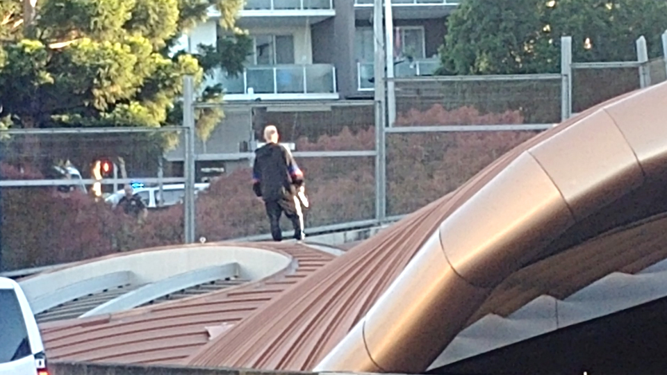 Armed man shuts down Brisbane tunnel for the day