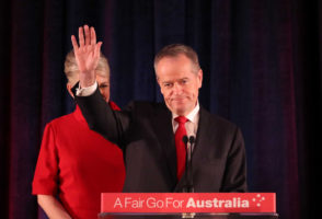 """Senator Carr says that voters had a right to be """"sceptical"""" about Labor's agenda."""