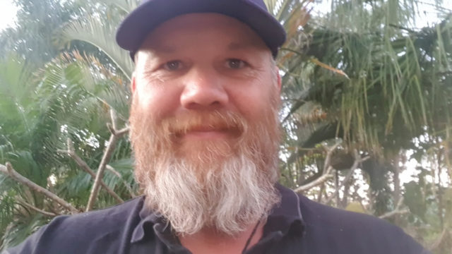 Queensland man awarded bravery medal for catching armed man