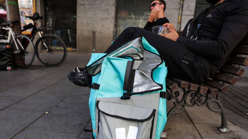 worker sues deliveroo