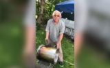 Italian chef cleans pots with dirt