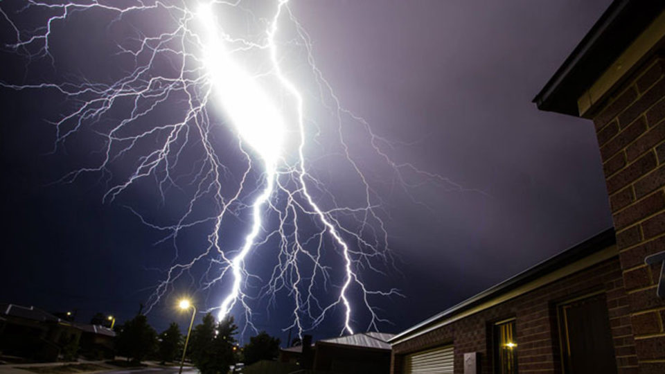 lightning strike injuries nsw