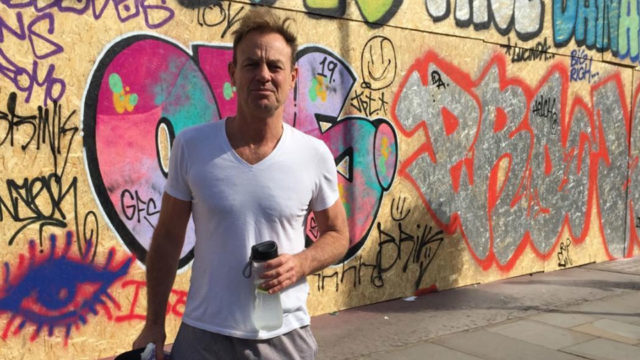 Jason Donovan a good neighbor for fighting suburban fire in his underpants