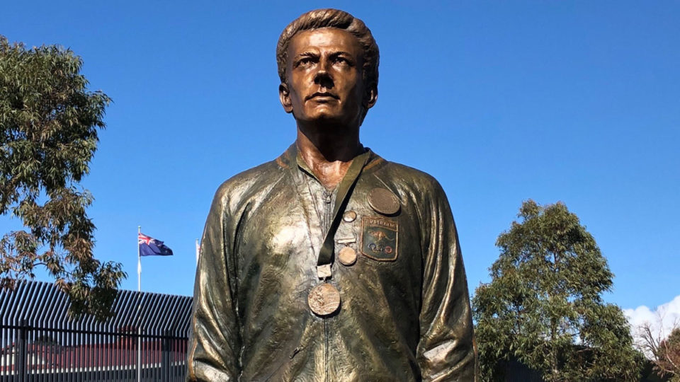 peter-norman-olympic-stance-statue
