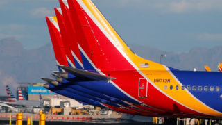 boeing planes grounded cracks