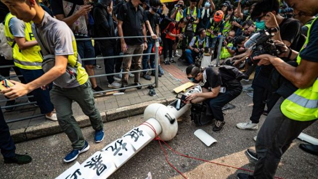 Hong Kong: More violence predicted as Australia urged to take a stand