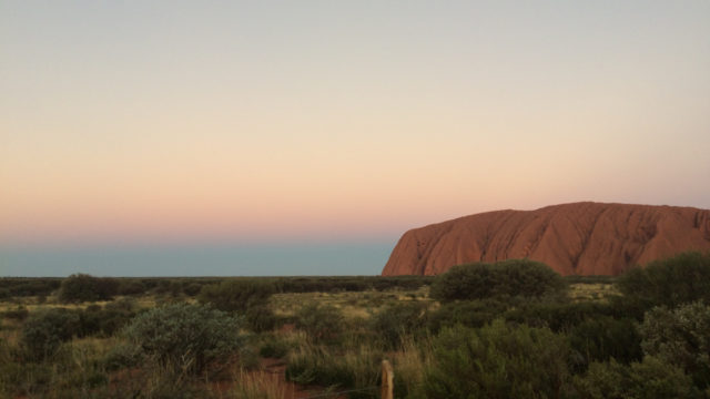 Tourists race to beat Uluru climb ban