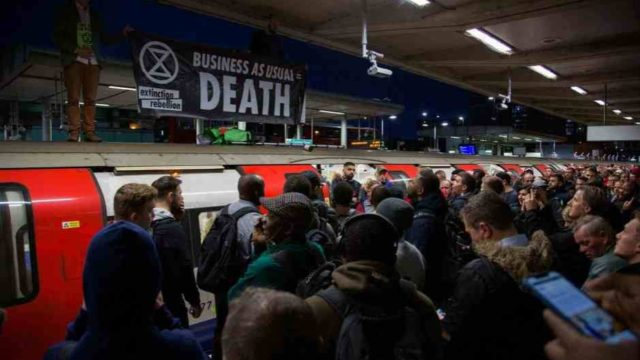 London commuters turn violent amid Extinction Rebellion protest