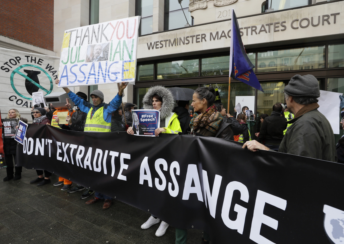 Supporters of Assange demonstrated outside court on Monday. Photo: AAP