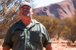 uluru climb close early