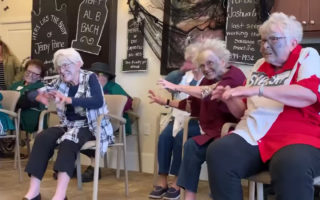 elderly-thriller-performance-nursing-home