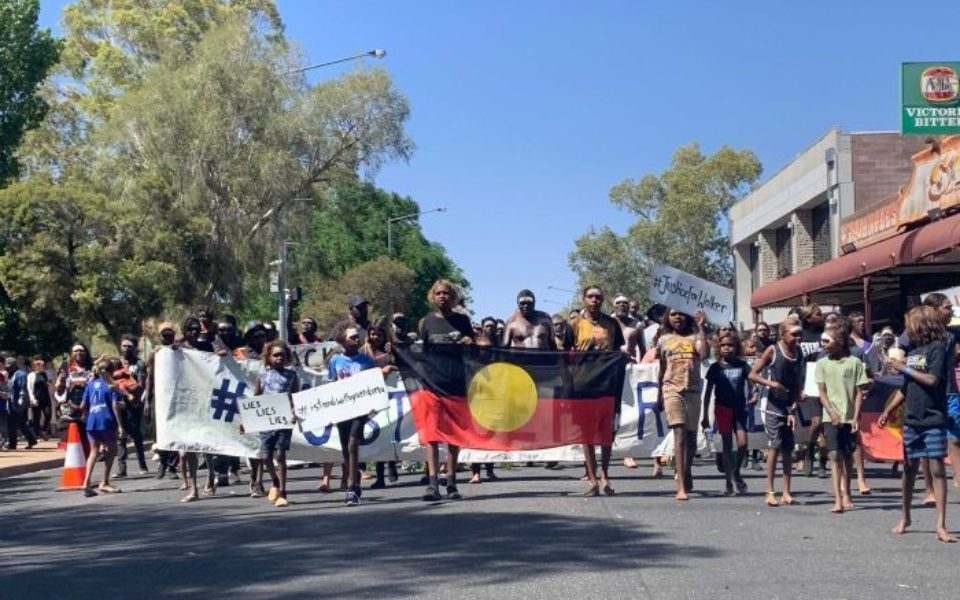 Thousands march in Alice Springs to protest fatal police shooting - The New Daily