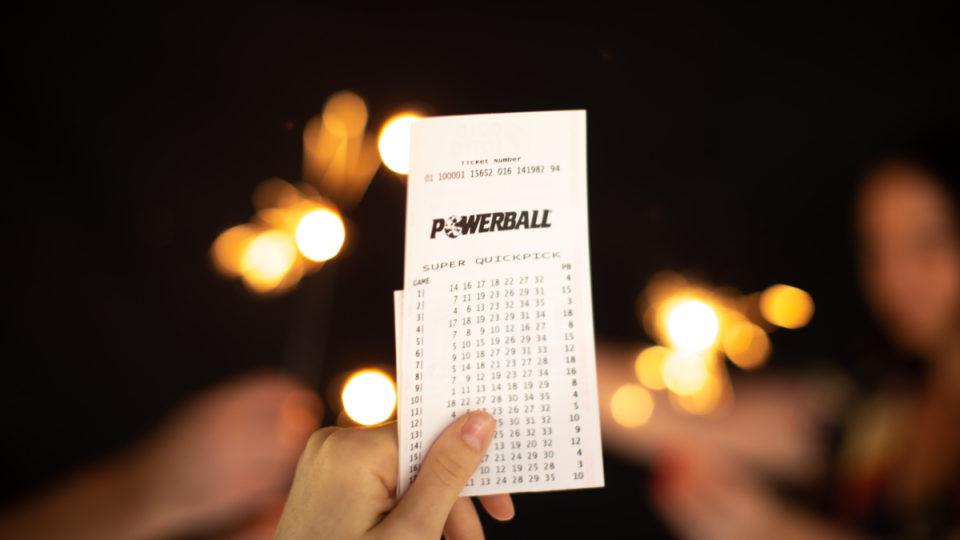 40m cairns powerball