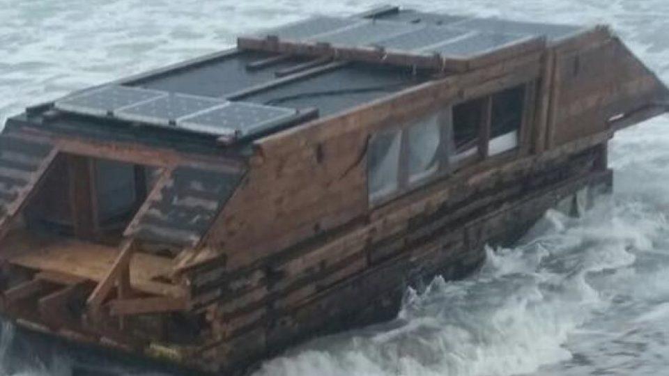 solar-powered-boat-ireland-canada