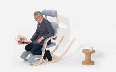 Goop weightlessness chair