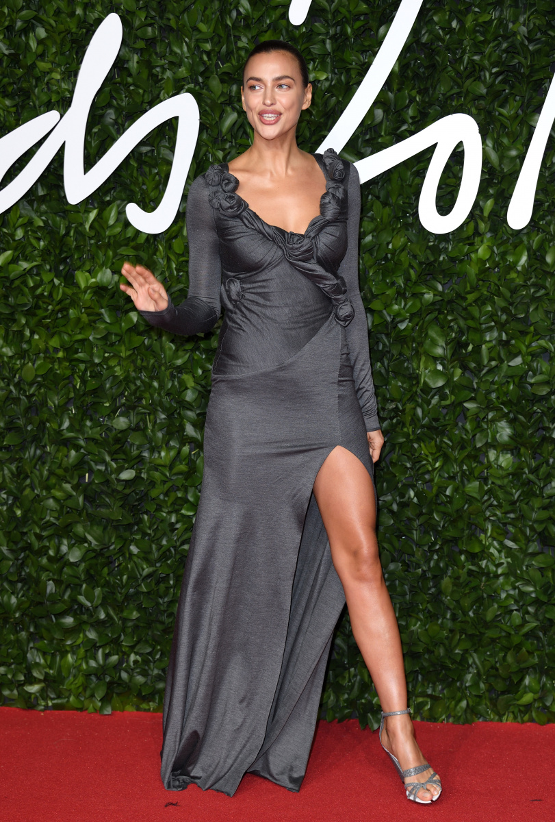 Shailene Woodley and her puffer dress take Fashion Awards 2019 to new extremes_14