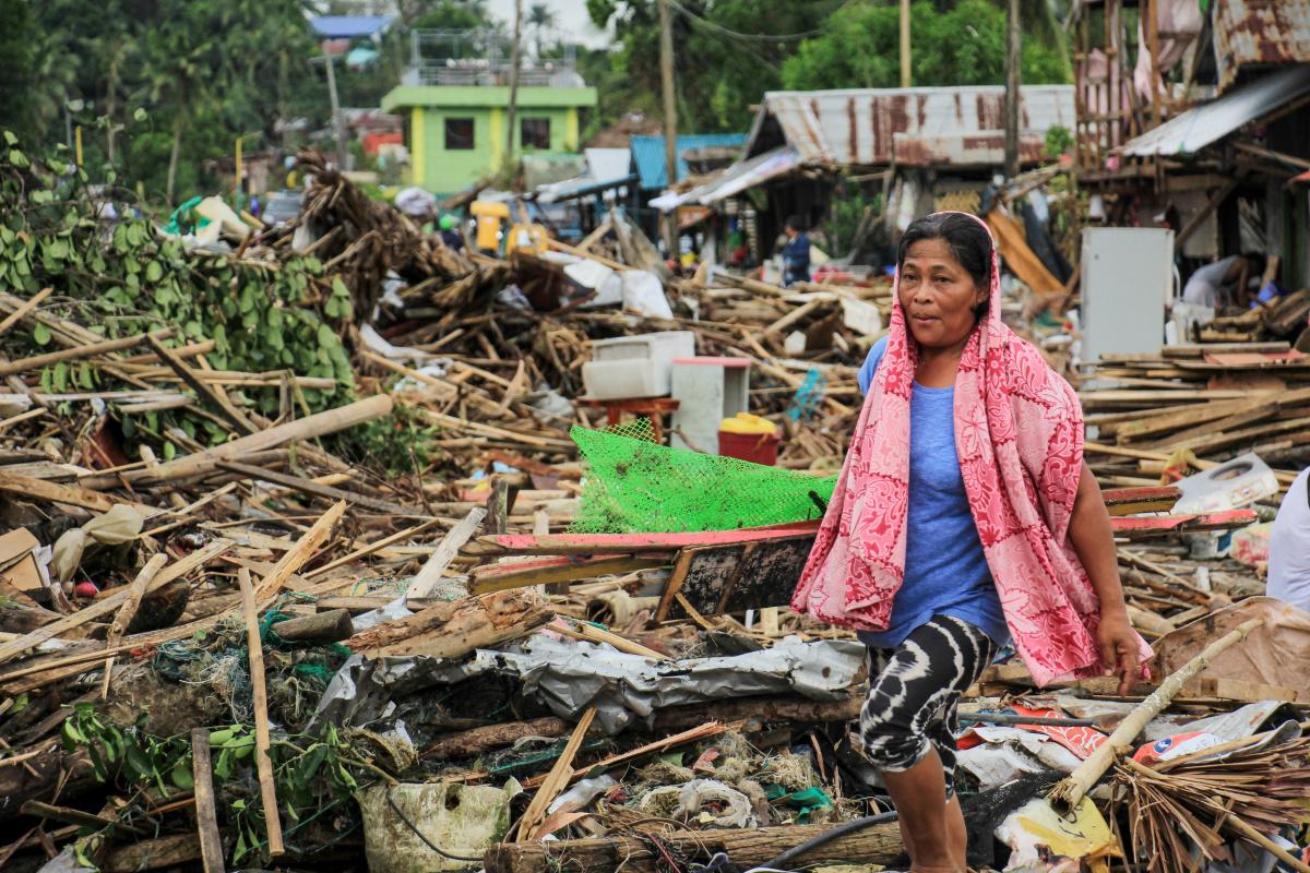 Four people killed as typhoon Kammuri hammers Philippines_1