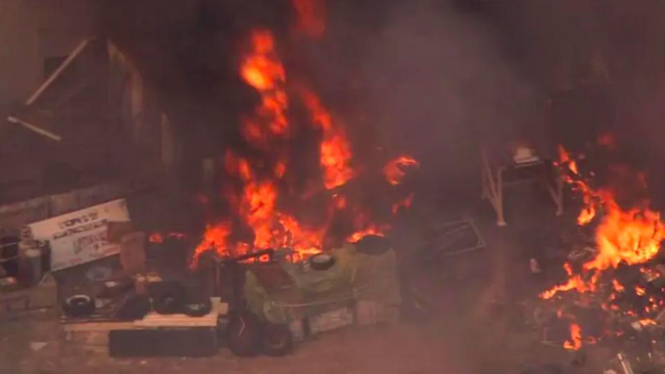Bushfires threaten lives north of Perth